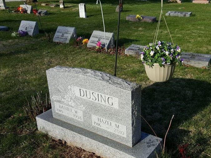 dusing-headstone-daniel-w.-and-hazel-m..jpg