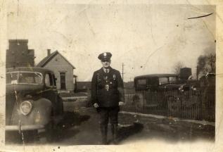 My Dad - in Mom's Billfold Harry Otto Boles